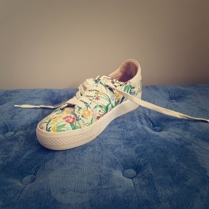 Alice and Olivia Sneakers